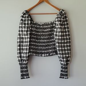 H & M Black White Plaid Long Sleeve Crop Top Med